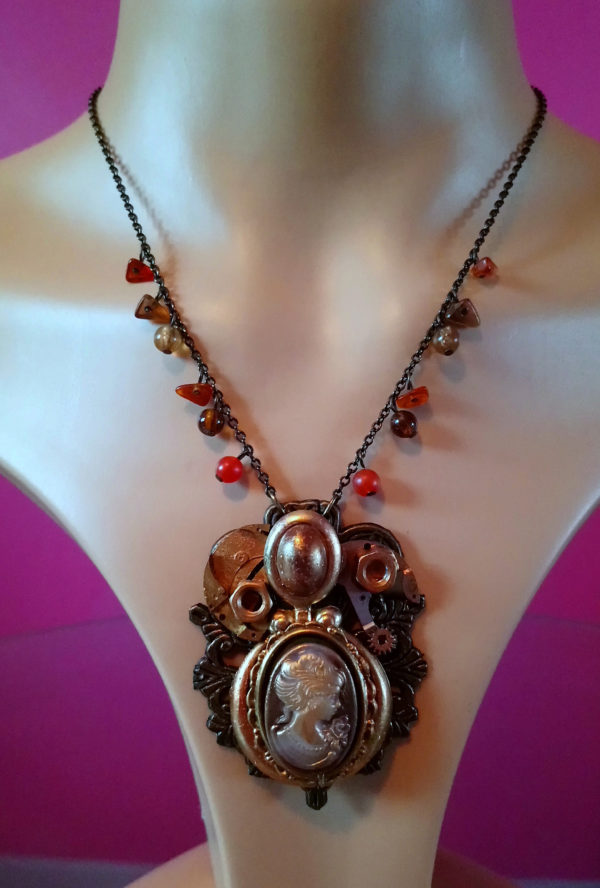 Steampunk lady cameo and drop bead chain