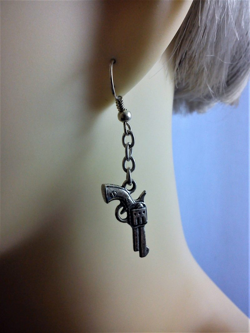 Steampunk 3D gun and drop chain earrings