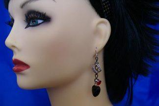 Fangs jewel and heart earrings