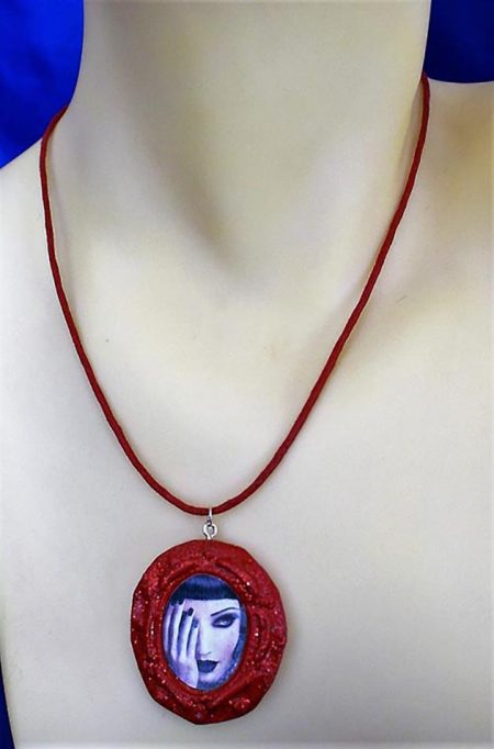 Gothic beauty red cameo necklace