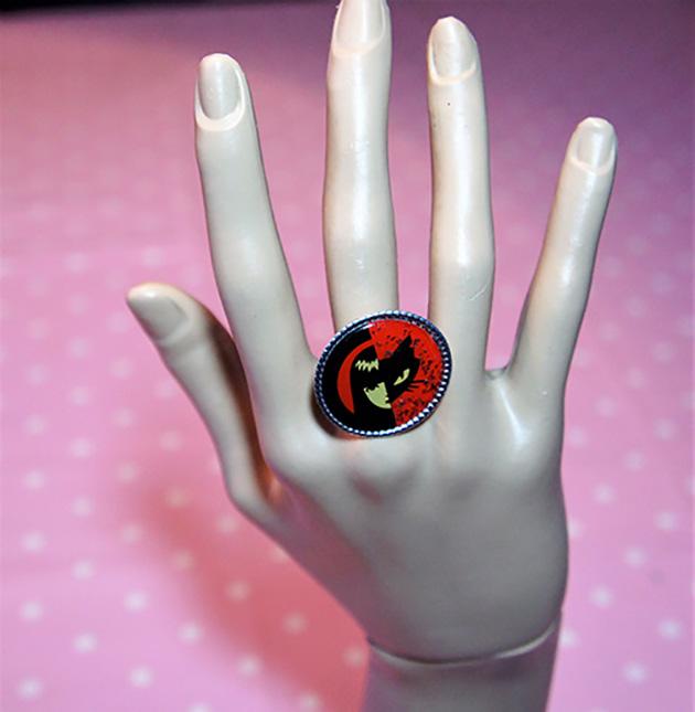 Red and black yin yang Emily Strange cameo ring