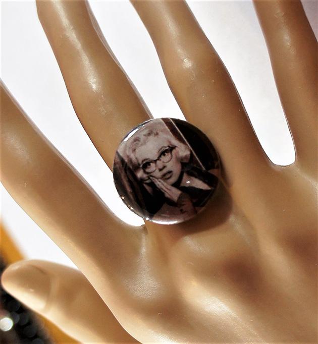 Marilyn Monroe cameo ring