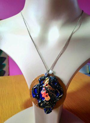 Hindu Lakshmi 3D profile pendant necklace