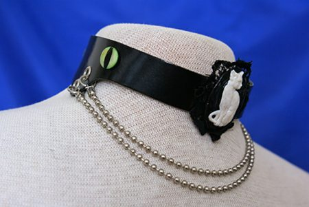 Gothic 3D cat cameo choker and drop chain necklace closeup