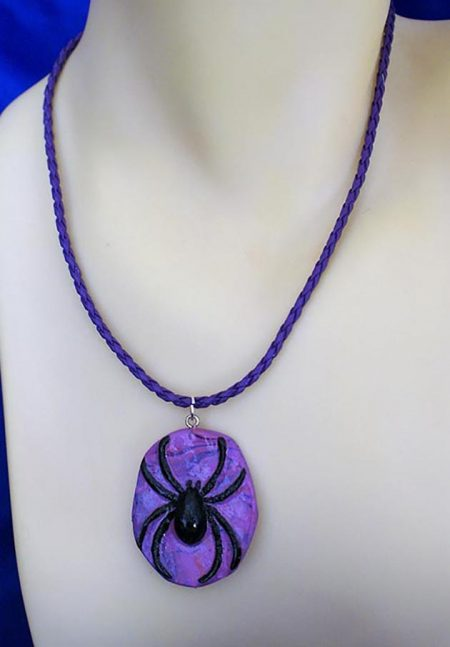 Purple 3D spider cameo necklace