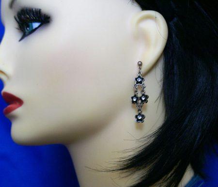 Black cluster flower earrings