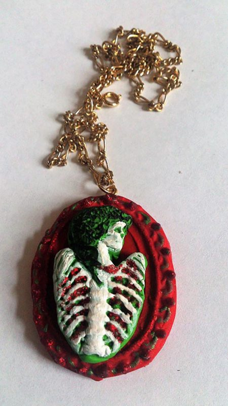 Christmas skeleton lady rib cameo necklace
