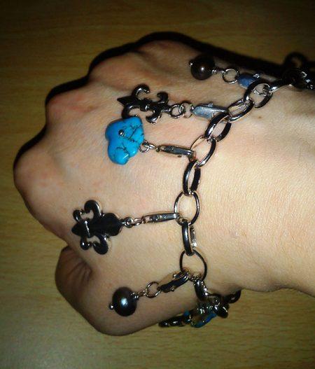 Fleur de lis drop charm bracelet