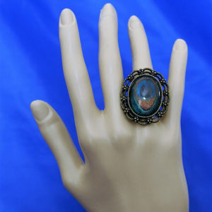 Peacock feather cameo ring