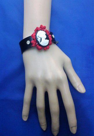 Gothic Lolita lady cameo black bracelet