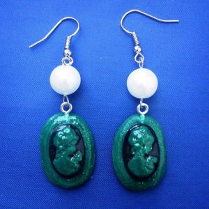 Green 3D shimmer cameo lady and bead earrings