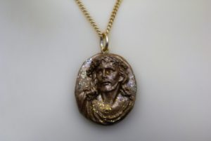 Gold standard 3D Jesus cameo necklace