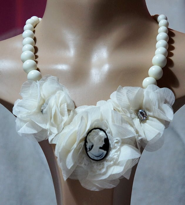 Lolita cameo flower and jewel necklace