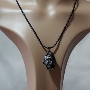 Gothic jewel 3D skull necklace