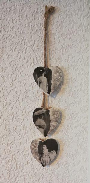 Victorian lady drop hearts wall plaque 2