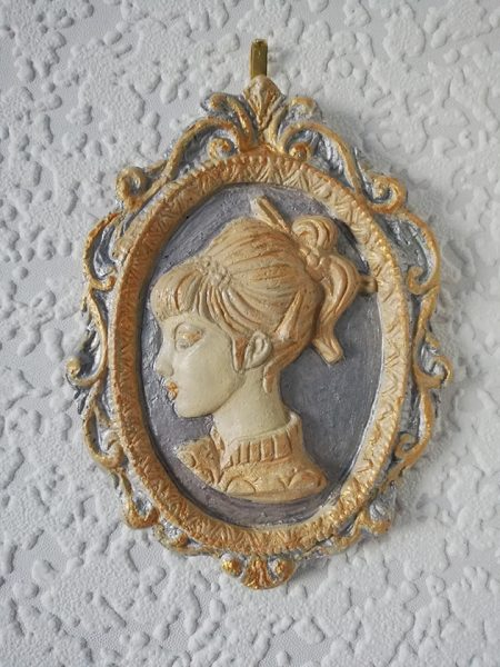 Wall plaques ( all genres)