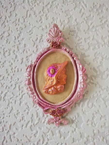 Victorian floral hat lady cameo wall plaque