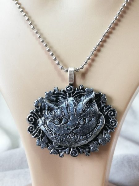 Cheshire cat 3D black and silver pendant necklace