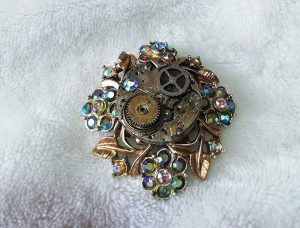 Brooches various