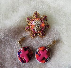 Punk Lolita cameo brootch and tartan cross earrings set