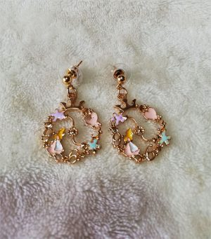 Alice in Wonderland cameo set round earrings