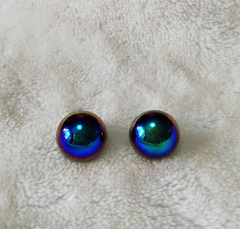 Irridescent dome stud earrings