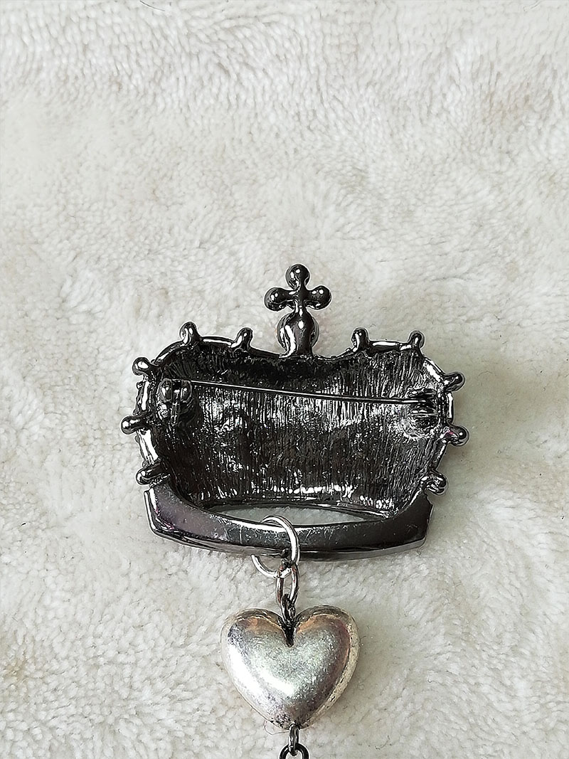Gothic Lolita jewelled crown and drop heart charm brootch